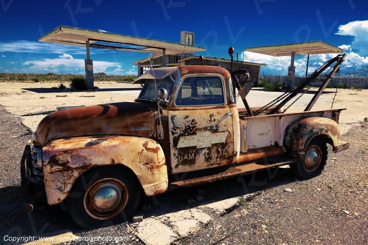 Two Guns Gas Station Route 66 Chevrolet Thriftmaster 50' Towing Truck Arizona USA