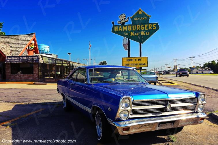 Ford Fairlane 500XL 390 1966 Waylan's Ku-Ku Hamburgers Route 66 Miami Oklahoma USA