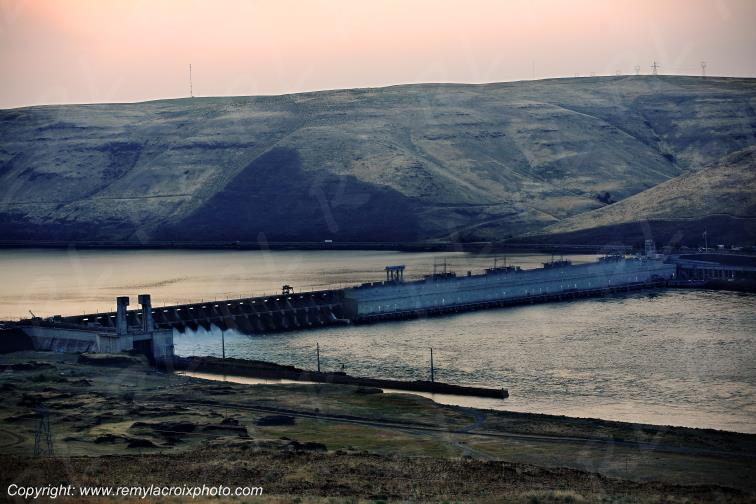 Columbia River,John Day Dam,Washington,USA