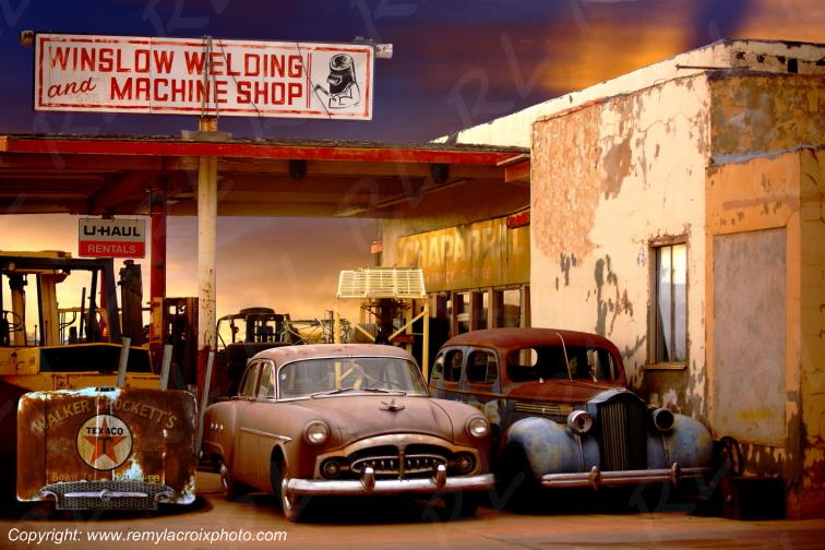 Winslow welding & machine shop Packard 1952 & 1938 Route 66 Arizona USA www.remylacroixphoto.com