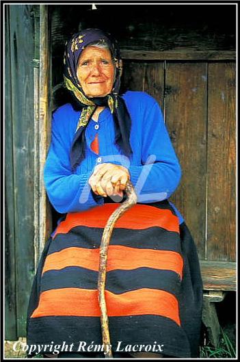 Portrait femme en costume traditionnel,Maramures,Roumanie
