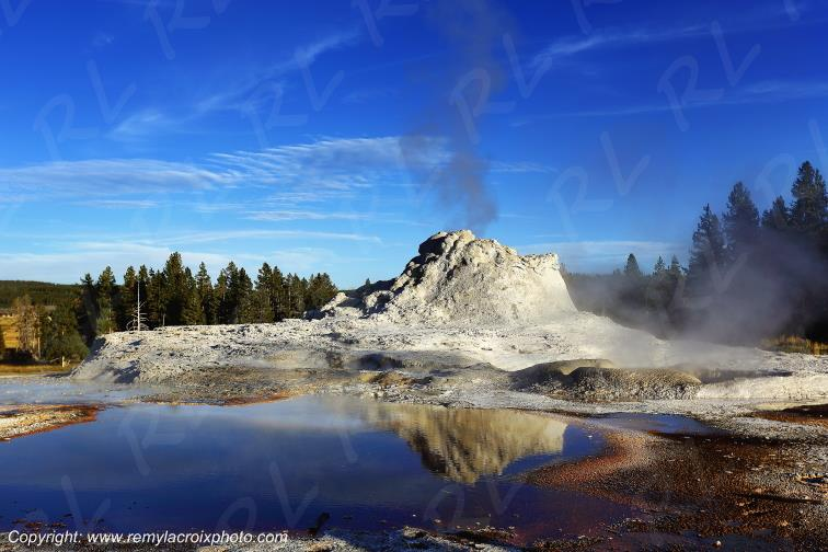 Castle Geyser,Yellowstone Nat'l Park,Wyoming,USA